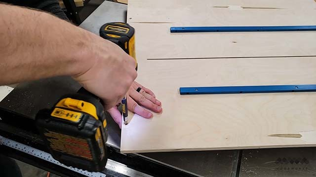 adding back fence to cross cut sled